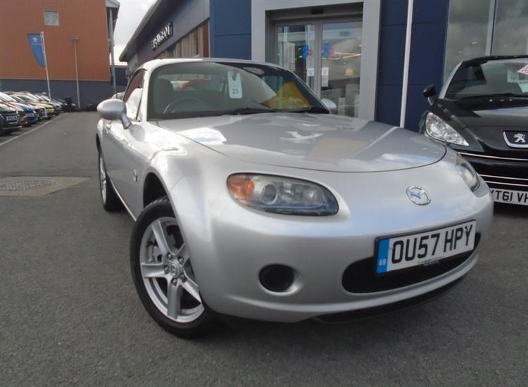Mazda MX-5 Roadster Coupe 2-Door 1.8i